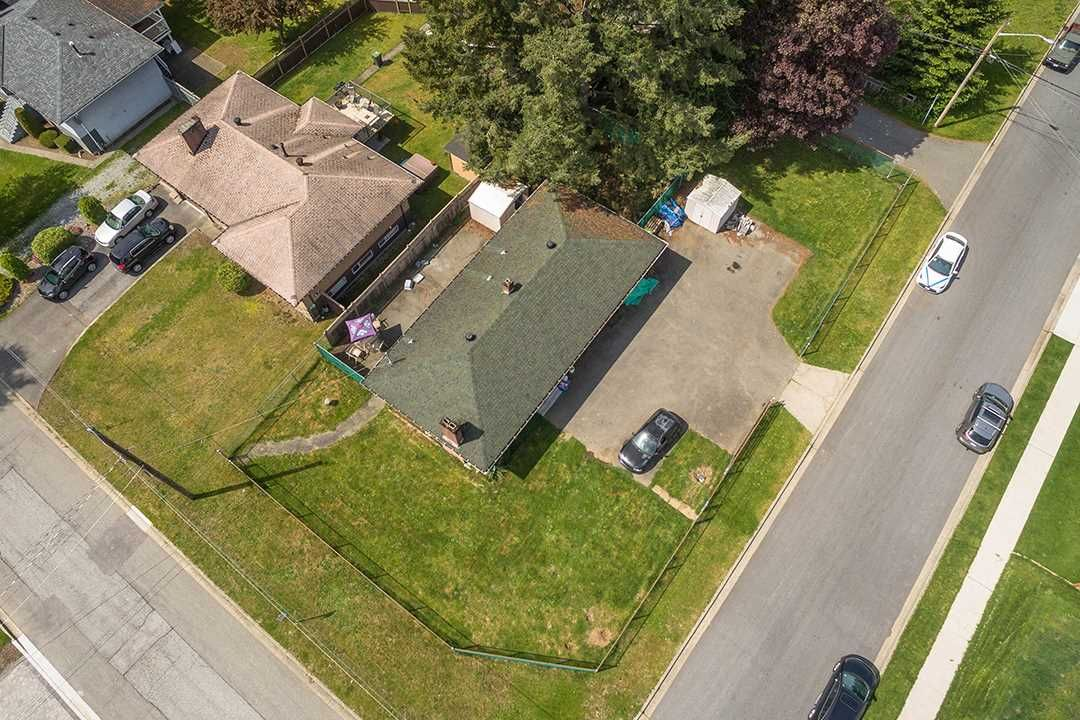 Main Photo: 748 MACINTOSH Street in Coquitlam: Central Coquitlam House for sale : MLS®# R2454628