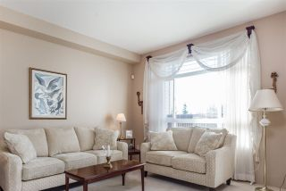 Photo 3: 32 15 FOREST PARK Way in Port Moody: Heritage Woods PM Townhouse for sale : MLS®# R2209452