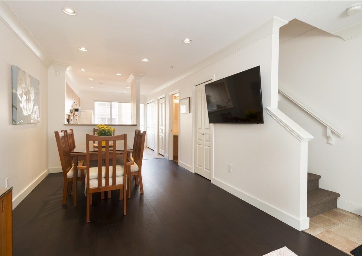 """Photo 4: Photos: 310 2688 WATSON Street in Vancouver: Mount Pleasant VE Townhouse for sale in """"Tala Vera"""" (Vancouver East)  : MLS®# R2304715"""