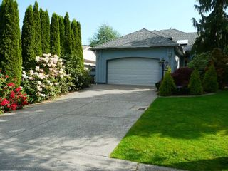 Photo 1: 13470 60A Avenue in Surrey: Panorama Ridge House for sale : MLS®# R2059077