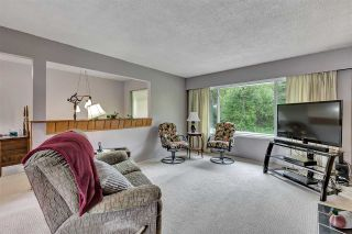 """Photo 4: 10476 155 Street in Surrey: Guildford House for sale in """"EAST GUILDFORD"""" (North Surrey)  : MLS®# R2573518"""