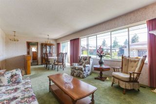 Photo 3: 1411 CORNELL Avenue in Coquitlam: Central Coquitlam House for sale : MLS®# R2395369