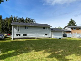 Photo 5: 8725 Seaview Dr in : NI Port Hardy House for sale (North Island)  : MLS®# 878135