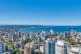 """Photo 9: 5102 1151 W GEORGIA Street in Vancouver: Coal Harbour Condo for sale in """"TRUMP TOWER"""" (Vancouver West)  : MLS®# R2230495"""