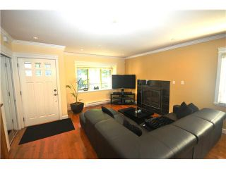 Photo 3: 3115 SUNNYHURST Road in North Vancouver: Lynn Valley Duplex for sale : MLS®# V972799