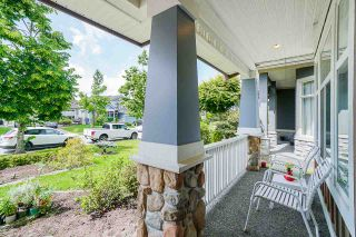 """Photo 3: 7310 146 Street in Surrey: East Newton House for sale in """"CHIMNEY HEIGHTS"""" : MLS®# R2465125"""
