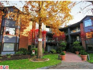Photo 1: 306 15300 17TH Avenue in Surrey: King George Corridor Condo for sale (South Surrey White Rock)  : MLS®# F1224197