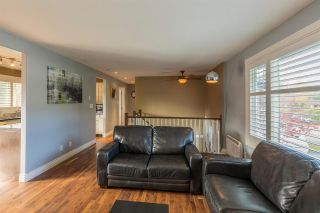 """Photo 4: 1254 DEPOT Road in Squamish: Brackendale House for sale in """"BRACKENDALE"""" : MLS®# R2012595"""