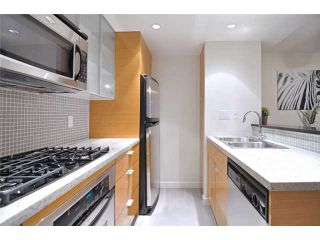 """Photo 3: 1905 33 SMITHE Street in Vancouver: Yaletown Condo for sale in """"Coopers Lookout"""" (Vancouver West)  : MLS®# V954984"""