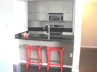 """Photo 5: 204 3 K DE K Court in New Westminster: Quay Condo for sale in """"QUAYSIDE TERRACE"""" : MLS®# V945400"""