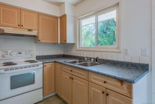 Photo 11: 973 Weaver Pl in Langford: La Walfred House for sale : MLS®# 850635