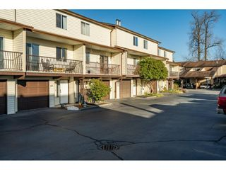 Photo 2: 52 27272 32 Avenue: Townhouse for sale in Langley: MLS®# R2527718