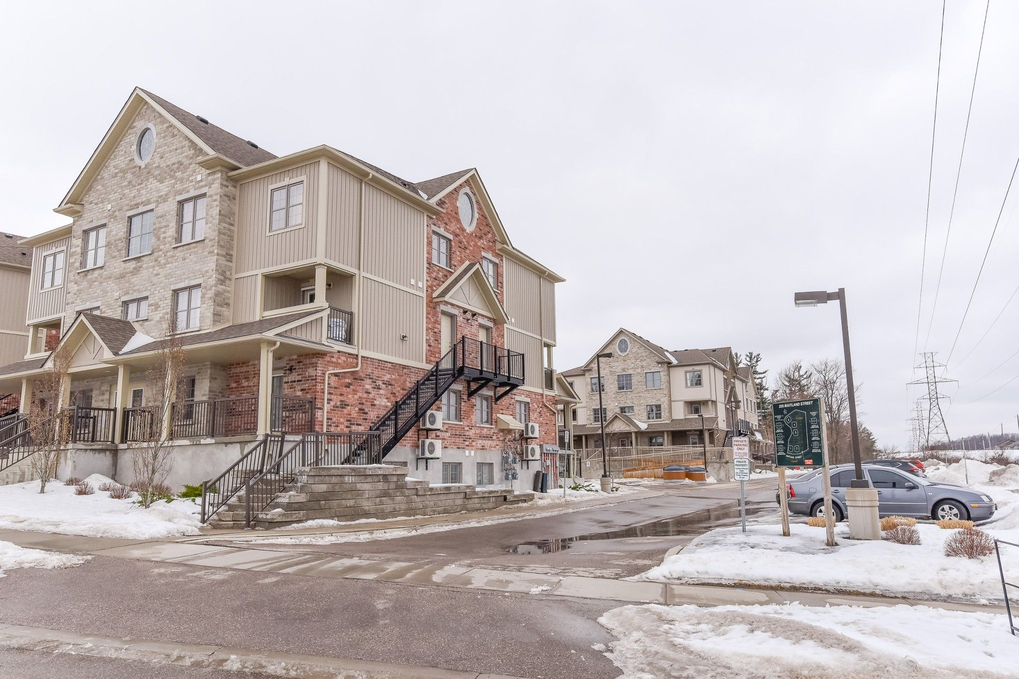 Main Photo: 5k 255 Maitland Street in Kitchener: House for sale : MLS®# H4048084