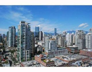 Photo 2: 2202 212 DAVIE Street in Vancouver West: Home for sale : MLS®# V779992