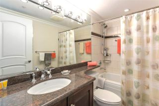 """Photo 18: 2007 1050 BURRARD Street in Vancouver: Downtown VW Condo for sale in """"Wall Centre"""" (Vancouver West)  : MLS®# R2324699"""