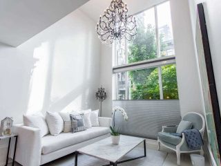"Photo 14: 1110 HORNBY Street in Vancouver: Downtown VW Townhouse for sale in ""ARTESMIA"" (Vancouver West)  : MLS®# R2575042"