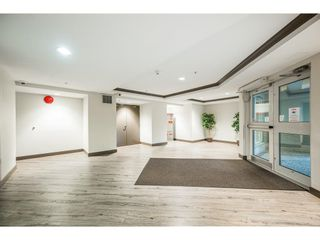 """Photo 4: 114 10533 UNIVERSITY Drive in Surrey: Whalley Condo for sale in """"Parkview Court"""" (North Surrey)  : MLS®# R2612910"""