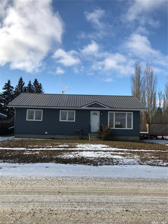 Main Photo: 213 Railway Avenue in Marcelin: Residential for sale : MLS®# SK840731