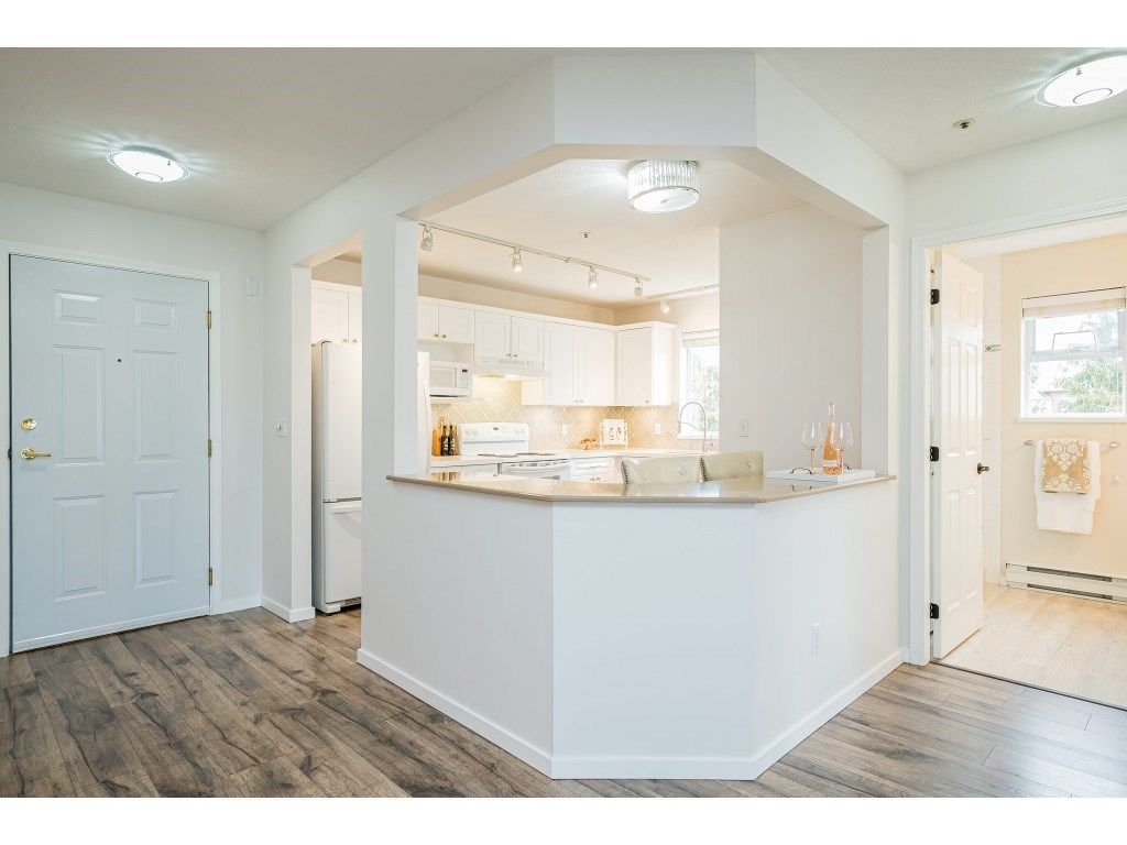 """Photo 12: Photos: 312 5568 201A Street in Langley: Langley City Condo for sale in """"Michaud Gardens"""" : MLS®# R2563265"""