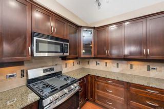 Photo 7: 205 3210 Jacklin Rd in : La Glen Lake Condo for sale (Langford)  : MLS®# 879248