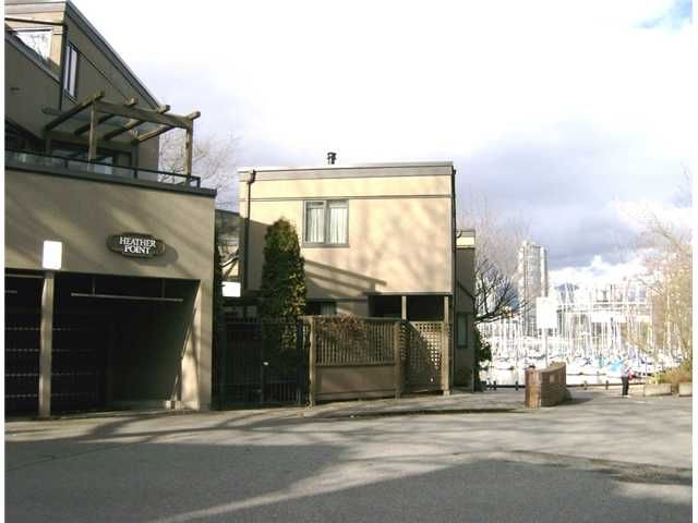 """Main Photo: 813 SAWCUT in Vancouver: False Creek Townhouse for sale in """"HEATHER POINT"""" (Vancouver West)  : MLS®# V874888"""