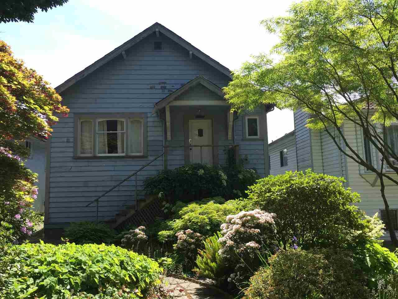 Main Photo: 3240 WILLIAM Street in Vancouver: Renfrew VE House for sale (Vancouver East)  : MLS®# R2070040