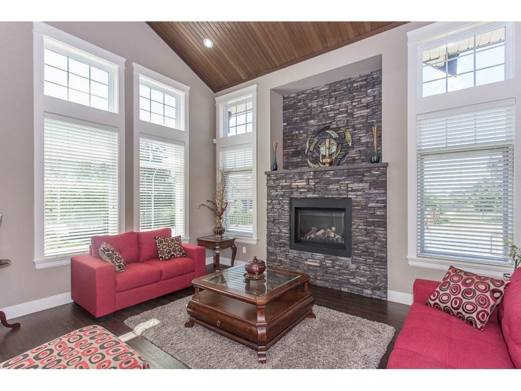 Photo 9: Photos: 18815 53A Avenue in Surrey: Cloverdale BC House for sale (Cloverdale)  : MLS®# R2272944