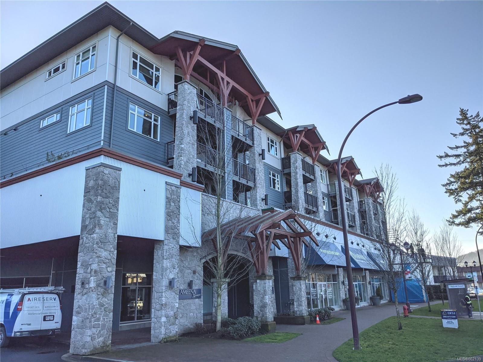 Main Photo: 307 2655 Sooke Rd in : La Walfred Condo for sale (Langford)  : MLS®# 862139