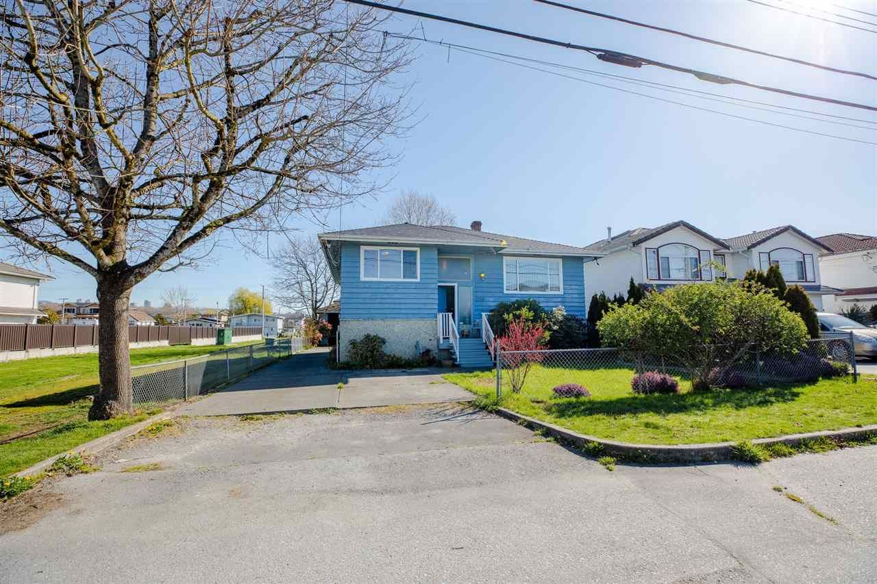 """Main Photo: 329 WOOD Street in New Westminster: Queensborough House for sale in """"Queensborough"""" : MLS®# R2571025"""