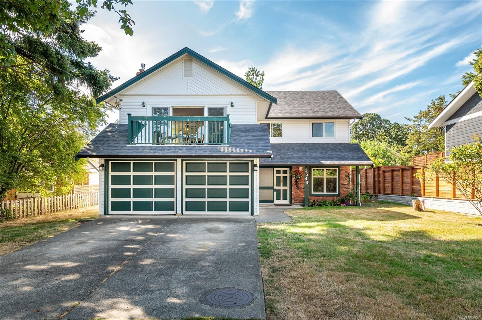 Main Photo: 1543 Morley St in : Vi Oaklands House for sale (Victoria)  : MLS®# 883827