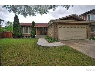 Photo 1: 2 Hawstead Road in Winnipeg: Fort Garry / Whyte Ridge / St Norbert Residential for sale (South Winnipeg)  : MLS®# 1614903