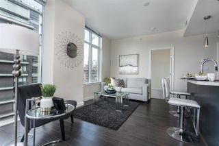 """Photo 11: 908 38 W 1ST Avenue in Vancouver: False Creek Condo for sale in """"THE ONE"""" (Vancouver West)  : MLS®# R2164655"""