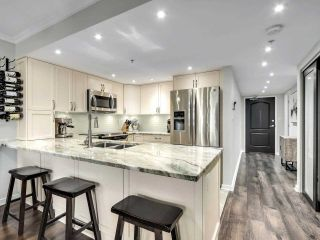 """Photo 10: 201 2665 W BROADWAY in Vancouver: Kitsilano Condo for sale in """"MAGUIRE BUILDING"""" (Vancouver West)  : MLS®# R2580256"""