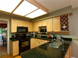 """Photo 3: 39 1925 INDIAN RIVER Crescent in North Vancouver: Indian River Townhouse for sale in """"WINDERMERE ESTATES"""" : MLS®# V968409"""