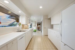 Photo 13: 875 EYREMOUNT Drive in West Vancouver: British Properties House for sale : MLS®# R2618624
