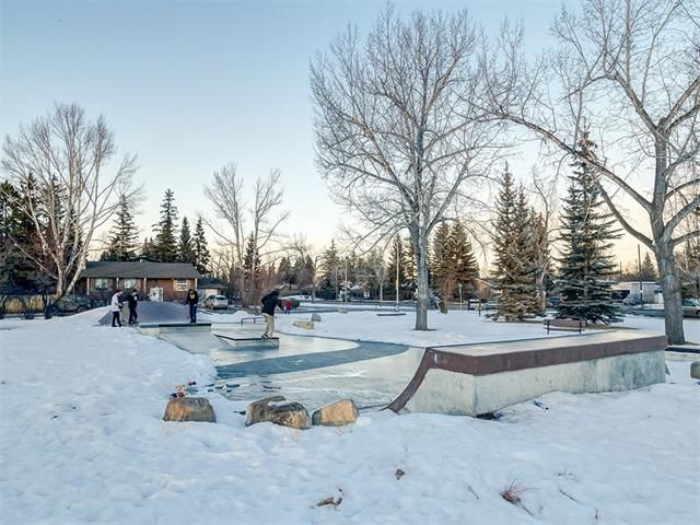 Photo 48: Photos: 7016 KENOSEE Place SW in Calgary: Kelvin Grove House for sale : MLS®# C4055215