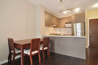 Photo 5: 307 1150 KENSAL Place in Coquitlam: New Horizons Condo for sale : MLS®# R2226865