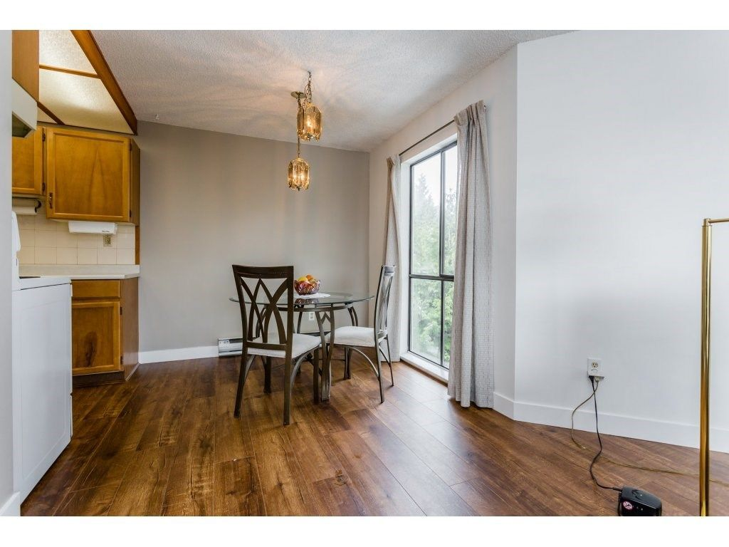 """Photo 9: Photos: 303 9952 149 Street in Surrey: Guildford Condo for sale in """"Tall Timbers"""" (North Surrey)  : MLS®# R2241309"""
