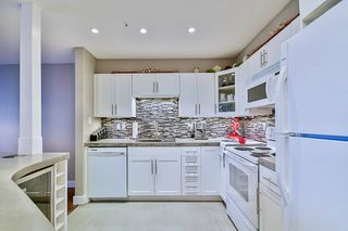 "Photo 1: 313 60 RICHMOND Street in New Westminster: Fraserview NW Condo for sale in ""GATEHOUSE PLACE"" : MLS®# R2120854"
