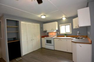 """Photo 7: 75 95 LAIDLAW Road in Smithers: Smithers - Rural Manufactured Home for sale in """"MOUNTAIN VIEW MOBILE HOME PARK"""" (Smithers And Area (Zone 54))  : MLS®# R2399159"""