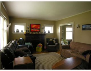Photo 2: 660 W 13TH Avenue in Vancouver: Fairview VW House for sale (Vancouver West)  : MLS®# V761116