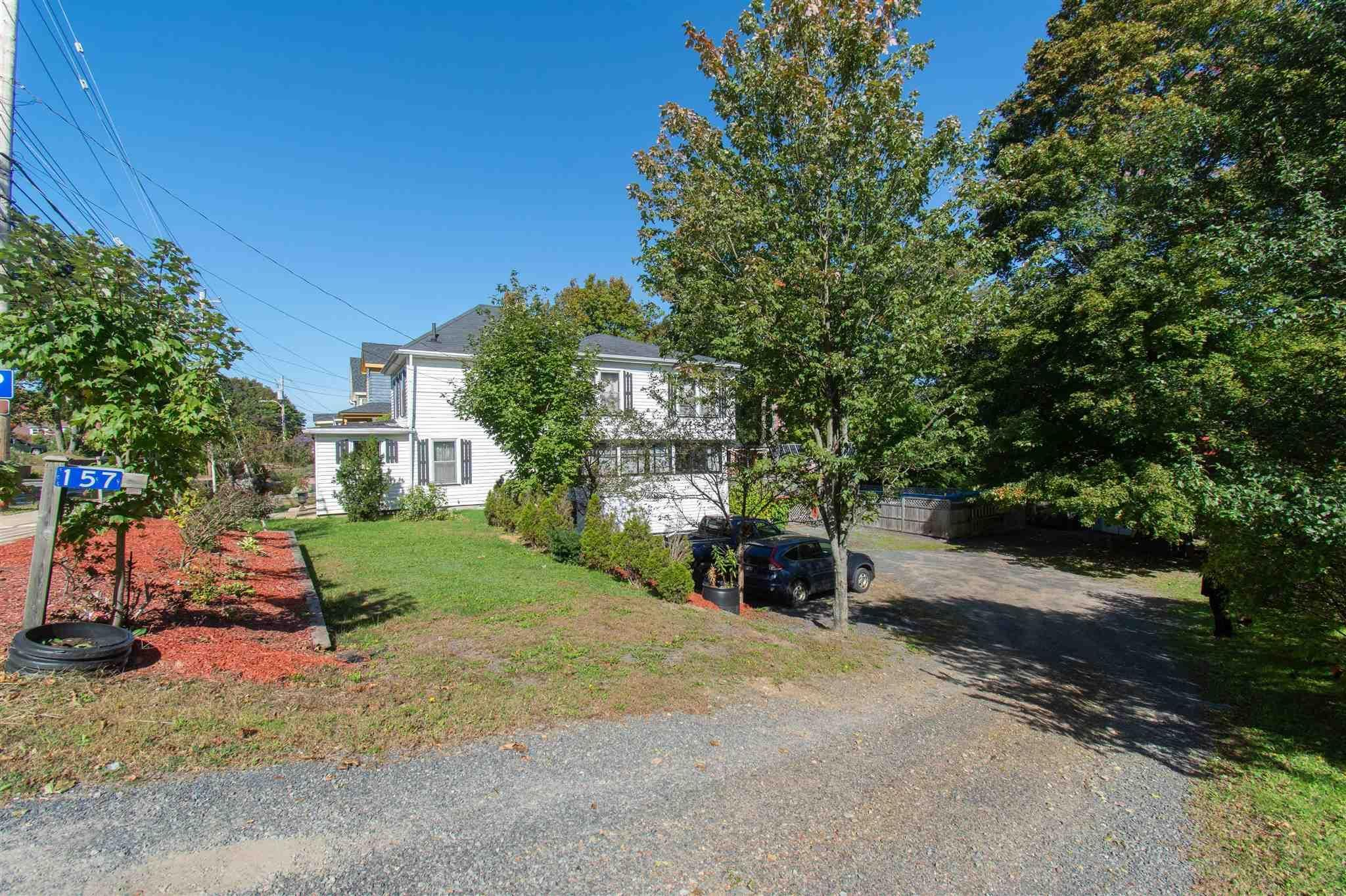 Main Photo: 157 Main Street in Kentville: 404-Kings County Residential for sale (Annapolis Valley)  : MLS®# 202125519