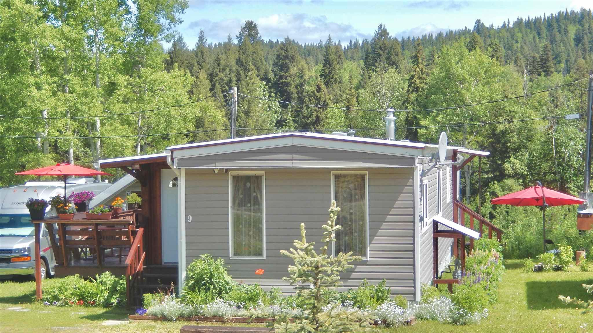 """Main Photo: 9 7128 OTWAY Road in Prince George: Cranbrook Hill Manufactured Home for sale in """"SOUTH SHORE TRAILER PARK"""" (PG City West (Zone 71))  : MLS®# R2598224"""