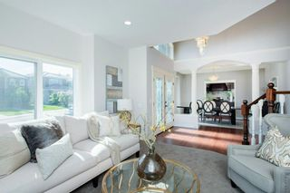 Photo 5: 103 Signature Terrace SW in Calgary: Signal Hill Detached for sale : MLS®# A1116873