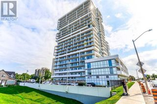 Photo 2: #PH3 -65 SPEERS RD in Oakville: Condo for sale : MLS®# W5367830