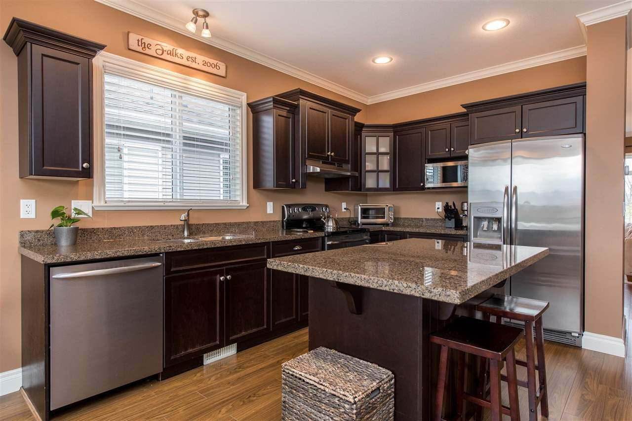 """Photo 16: Photos: 34914 2 Avenue in Abbotsford: Poplar House for sale in """"Huntingdon Village"""" : MLS®# R2548984"""