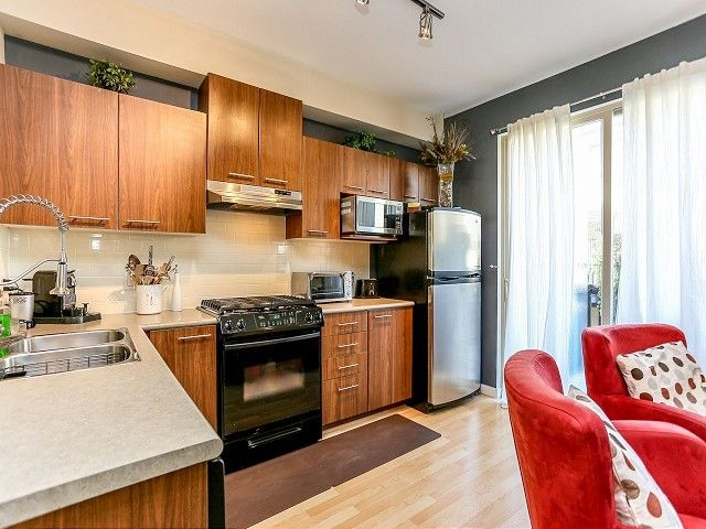 """Photo 6: Photos: 105 100 KLAHANIE Drive in Port Moody: Port Moody Centre Townhouse for sale in """"INDIGO"""" : MLS®# V1032337"""
