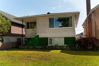 Photo 3: 4236 Pender Street in Burnaby: Home for sale : MLS®# V891144