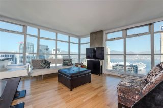 """Photo 4: 2804 438 SEYMOUR Street in Vancouver: Downtown VW Condo for sale in """"CONFERENCE PLAZA"""" (Vancouver West)  : MLS®# R2317789"""
