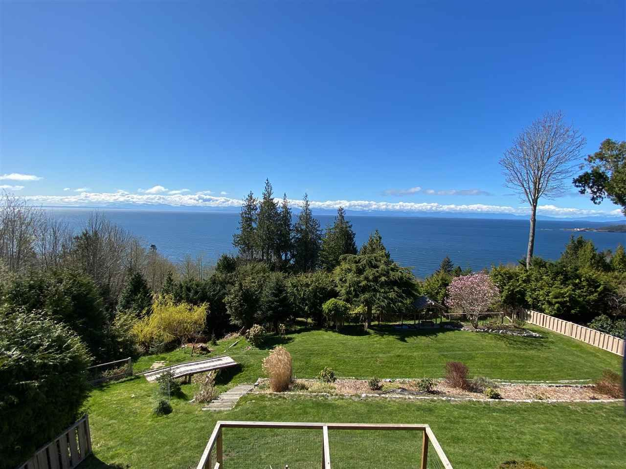 Main Photo: Videos: 7955 REDROOFFS Road in Halfmoon Bay: Halfmn Bay Secret Cv Redroofs House for sale (Sunshine Coast)  : MLS®# R2534794